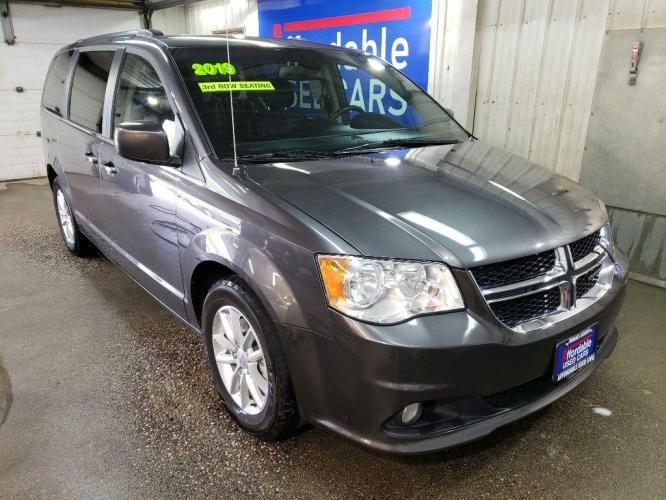 2019 GRAY DODGE GRAND CARAVAN SXT (2C4RDGCG2KR) with an 3.6L engine, Automatic transmission, located at 2525 S. Cushman, Fairbanks, AK, 99701, (907) 452-5707, 64.824799, -147.711899 - Photo #0