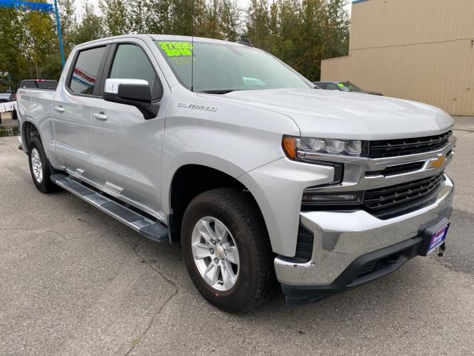 2019 SILVER CHEVROLET SILVERADO 1500 LT (1GCUYDED6KZ) with an 5.3L engine, Automatic transmission, located at 2525 S. Cushman, Fairbanks, AK, 99701, (907) 452-5707, 64.824799, -147.711899 - Photo #0
