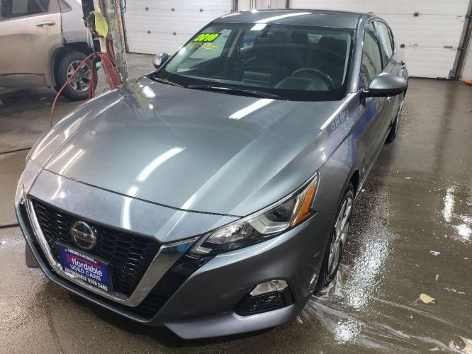 2019 GRAY NISSAN ALTIMA S S (1N4BL4BV2KC) with an 2.5L engine, Continuously Variable transmission, located at 2525 S. Cushman, Fairbanks, AK, 99701, (907) 452-5707, 64.824799, -147.711899 - Photo #0